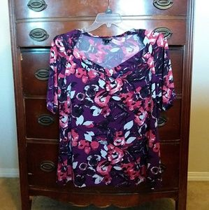 East 5th 1/2 Sleeve Floral Top